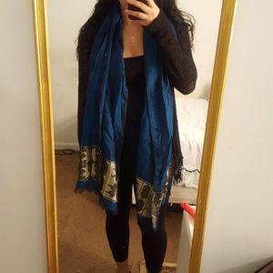 Accessories - Blue and gold scarf
